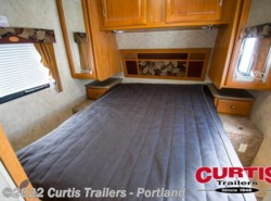 Used 2009  Dutchmen Kodiak 29RLK by Dutchmen from Curtis Trailers in Portland, OR