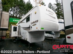 Used 2008  McKenzie Lakota 36REQ by McKenzie from Curtis Trailers in Portland, OR