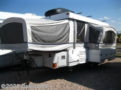 Used 2004  Fleetwood Trailers  Niagara 3895 by Fleetwood Trailers from Dakota RV in Rapid City, SD