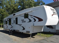 Used 2006  Dutchmen Grand Junction 35 by Dutchmen from Diamond RV Centre, Inc. in West Hatfield, MA