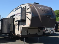 Used 2014  Forest River Rockwood Signature Ultra Lite 8289WS by Forest River from Diamond RV Centre, Inc. in West Hatfield, MA