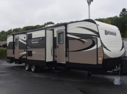 Used 2016  Prime Time Avenger 32FBI by Prime Time from Diamond RV Centre, Inc. in West Hatfield, MA