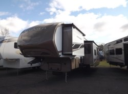 Used 2013  CrossRoads Cruiser CF37BH by CrossRoads from Diamond RV Centre, Inc. in West Hatfield, MA
