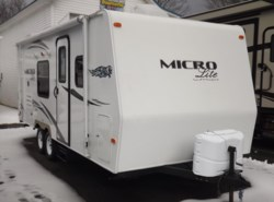 Used 2013  Forest River Flagstaff Micro Lite 23FB by Forest River from Diamond RV Centre, Inc. in West Hatfield, MA