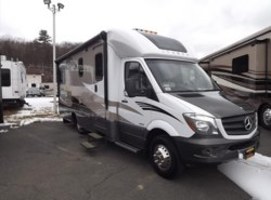Used 2014  Itasca Navion 24G by Itasca from Diamond RV Centre, Inc. in West Hatfield, MA