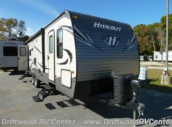 Used 2016  Keystone Hideout 26RLS by Keystone from Driftwood RV Center in Clermont, NJ
