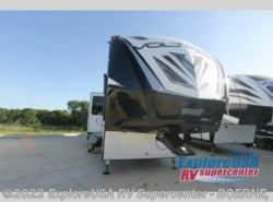 New 2017  Dutchmen Voltage V-Series V3605 by Dutchmen from ExploreUSA RV Supercenter - BOERNE, TX in Boerne, TX