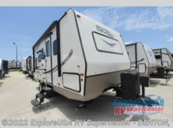 New 2017  Forest River Flagstaff Micro Lite 21DS by Forest River from ExploreUSA RV Supercenter - DENTON, TX in Denton, TX