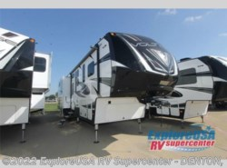 New 2017  Dutchmen Voltage V3970 by Dutchmen from ExploreUSA RV Supercenter - DENTON, TX in Denton, TX