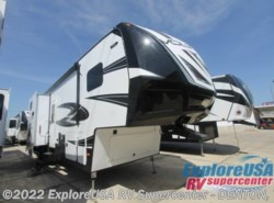 New 2017  Dutchmen Voltage V-Series V3305 by Dutchmen from ExploreUSA RV Supercenter - DENTON, TX in Denton, TX