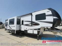 New 2017  Dutchmen Voltage V-Series V3605 by Dutchmen from ExploreUSA RV Supercenter - DENTON, TX in Denton, TX