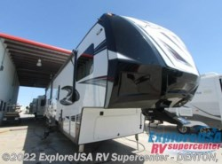 New 2017  Dutchmen Voltage V3815 by Dutchmen from ExploreUSA RV Supercenter - DENTON, TX in Denton, TX