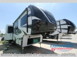 New 2017  Dutchmen Voltage Epic V4100 by Dutchmen from ExploreUSA RV Supercenter - DENTON, TX in Denton, TX