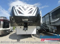 New 2017  Dutchmen Voltage V3005 by Dutchmen from ExploreUSA RV Supercenter - DENTON, TX in Denton, TX