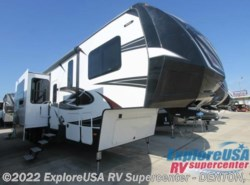 New 2017  Dutchmen Voltage Epic V3890 by Dutchmen from ExploreUSA RV Supercenter - DENTON, TX in Denton, TX