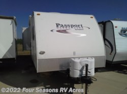 Used 2010  Keystone Passport Ultra Lite 250BH by Keystone from Four Seasons RV Acres in Abilene, KS