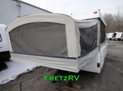 Used 2004  Fleetwood  Grand Tour Santa Fe by Fleetwood from Fretz  RV in Souderton, PA