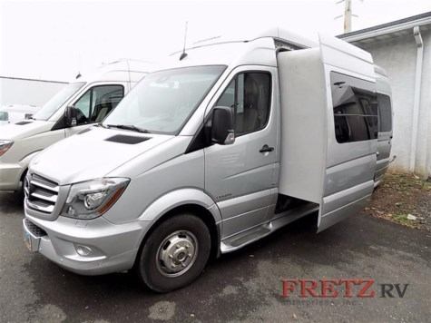 2015 Leisure Travel Free Spirit SS Motorhome