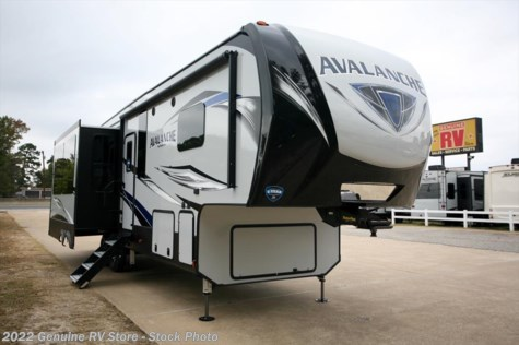 2019 Keystone Avalanche 321RS