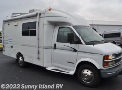 Used 2001  R-Vision  Trail Lite M-210 by R-Vision from Sunny Island RV in Rockford, IL