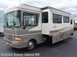 Used 2000  Fleetwood Bounder  31W by Fleetwood from Sunny Island RV in Rockford, IL