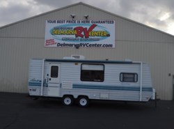 Used 1996  Coachmen Catalina 24QB by Coachmen from Delmarva RV Center in Milford, DE