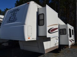 Used 2004  Fleetwood Regal 295 by Fleetwood from Delmarva RV Center in Seaford in Seaford, DE