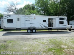 Used 2008  Forest River Wildwood 392 PT by Forest River from House of Camping in Bridgeview, IL