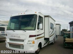 Used 2008  Thor Motor Coach Daybreak 3135 by Thor Motor Coach from I-35 RV Center in Denton, TX