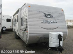 Used 2015  Jayco Jay Flight 28BHS by Jayco from I-35 RV Center in Denton, TX