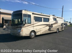 Used 2005  Winnebago Vectra WKS40KD by Winnebago from Indian Valley Camping Center in Souderton, PA
