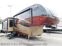 New 2018 Forest River Cardinal 3350rl available in Johnson City, Tennessee
