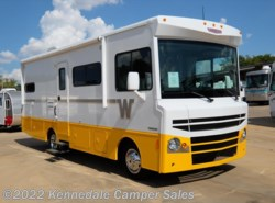"Used 2015  Winnebago Brave 26A 27'8"" by Winnebago from Kennedale Camper Sales in Kennedale, TX"