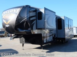 Used 2015  Heartland RV Cyclone 4200 44' **TOYBOX** by Heartland RV from Kennedale Camper Sales in Kennedale, TX