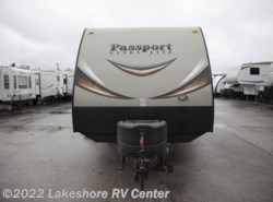 Used 2015  Keystone Passport Elite 33BH by Keystone from Lakeshore RV Center in Muskegon, MI