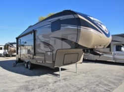 Used 2016  Winnebago Voyage 27RLS by Winnebago from McClain's RV Superstore in Corinth, TX
