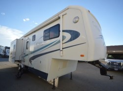 Used 2002  Carriage Carri-Lite 32SK3 by Carriage from McClain's RV Oklahoma City in Oklahoma City, OK