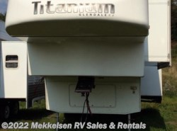 Used 2009  Glendale RV Titanium 2732KB by Glendale RV from Mekkelsen RV Sales & Rentals in East Montpelier, VT