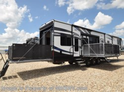 New 2017  Heartland RV Road Warrior RW427 Bath & 1/2, Bunk Beds, RV for Sale at MHSRV by Heartland RV from Motor Home Specialist in Alvarado, TX