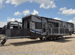 New 2017  Heartland RV Road Warrior RW427 Bath & 1/2, Bunk Beds, Res Fridge, King Bed by Heartland RV from Motor Home Specialist in Alvarado, TX