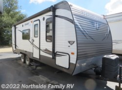 Used 2015  Keystone Hideout 210LHS by Keystone from Northside RVs in Lexington, KY