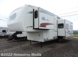Used 2006  Forest River Cardinal 30LE by Forest River from Northwest RV Sales in Salem, OR