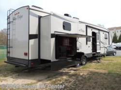 Used 2013  Forest River Blue Ridge 3710BH by Forest River from Ocean RV Center in Ocean View, DE