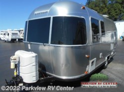 Used 2014  Airstream Sport 22FB by Airstream from Parkview RV Center in Smyrna, DE