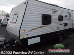 Used 2016  Coachmen Clipper Ultra-Lite 17FQ by Coachmen from Parkview RV Center in Smyrna, DE