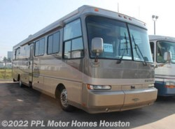 Used 2001  Safari Serengeti 40 DBL SLD by Safari from PPL Motor Homes in Houston, TX