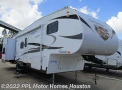 Used 2013  Coachmen Chaparral Open Trail 28BHS by Coachmen from PPL Motor Homes in Houston, TX