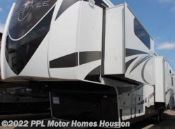 Used 2014  EverGreen RV  Lifestyle LS38RS by EverGreen RV from PPL Motor Homes in Houston, TX