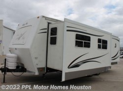 Used 2007  Northwood Arctic Fox 29V by Northwood from PPL Motor Homes in Houston, TX