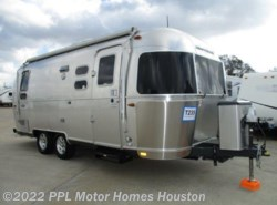 Used 2016  Airstream Flying Cloud 23D by Airstream from PPL Motor Homes in Houston, TX